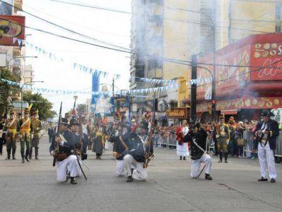 Histórico desfile popular por el 350º aniversario de la ciudad
