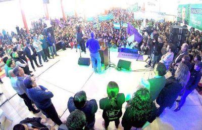 Fuerte respaldo de Esquel a la gestión del gobernador Mario Das Neves
