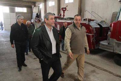 Ferraresi entregó subsidios a Bomberos Voluntarios de Avellaneda