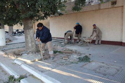 """Realizan trabajos de refacción en el cementerio municipal """"La Piedad"""""""
