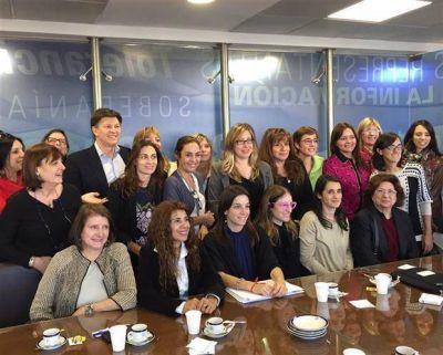 Las mujeres se unen en el Congreso por una ampliación del cupo femenino