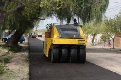 Con departamentos agrupados, licitaron el plan para pavimentar calles