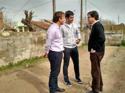 Manuel Mosca se mostró junto a los concejales José Gabriel Erreca y Marcelo Salamanco