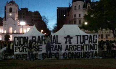 Junto a otros militantes y dirigentes Florencia Saintout se hizo presente en Plaza de Mayo, en solidaridad con Milagro Sala