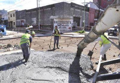 Se colocó el hormigón en la obra de reparación del cruce de Jean Jaures y San Martín