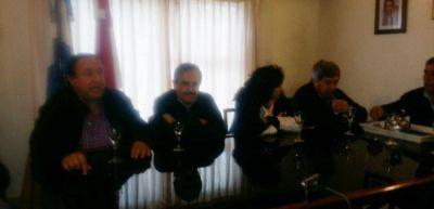 Miramar: Ricardo Alfons�n �Hay que convocar a un acuerdo econ�mico y social�