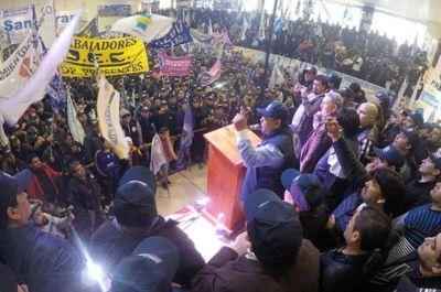 Petroleros: �vila lanz� su reelecci�n con cr�ticas a la oposici�n