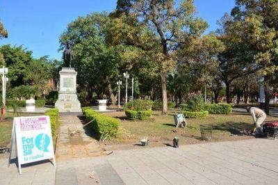 Limpieza integral de la Plaza San Mart�n