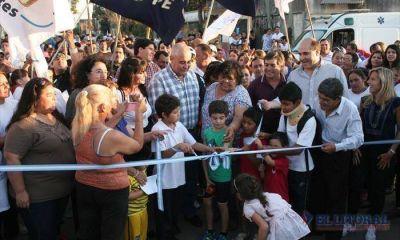 Fabi�n R�os inaugur� obras y anunci� m�s pavimento para barrios de la zona Norte