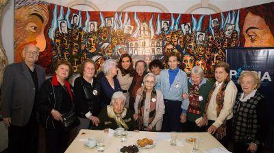 Cristina Elisabet Kirchner se reunió con miembros de Madres de Plaza de Mayo Línea Fundadora
