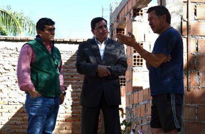 Recorren e inspeccionan obras de viviendas en FME