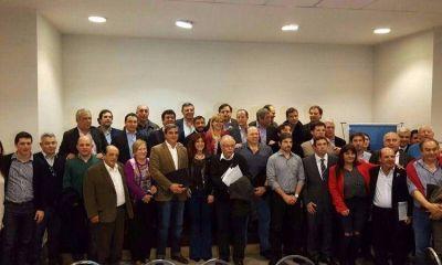Cumbre en el Senado: el peronismo se junta pero no se une