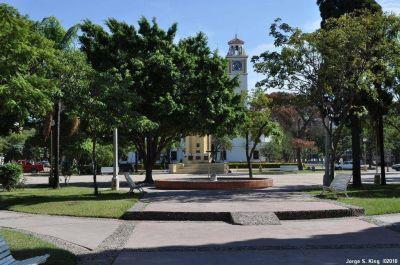 Realizan importantes obras de remodelación en espacios verdes de la ciudad