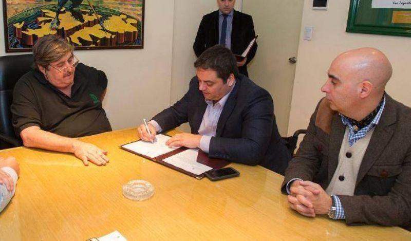 SMATA y Triaca firmaron convenio sobre empleo y formación profesional