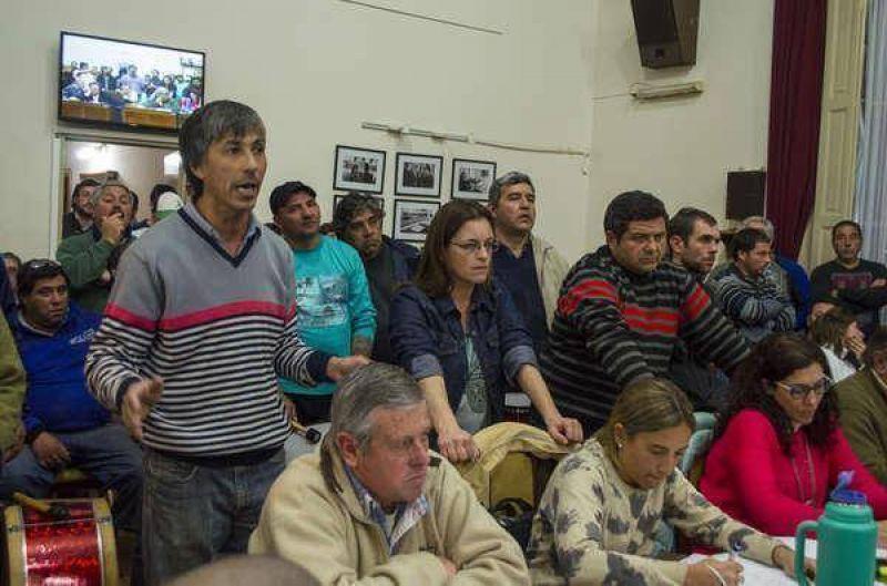 Con presencia de los gremios municipales sesion� el Concejo Deliberante