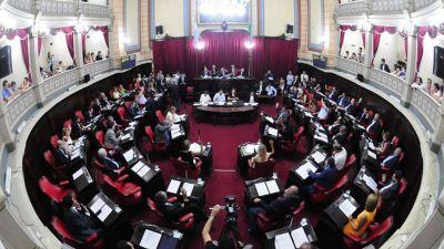 Se aprob� la ley que pone fin a las reelecciones indefinidas en la Provincia