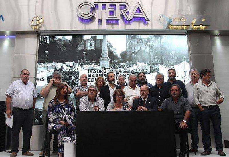 Docentes anuncian paro nacional para el 25 de agosto