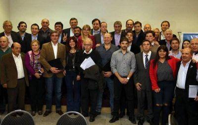 LEGISLADORES E INTENDENTES SE REUNIERON PARA UNA AGENDA EN COMÚN