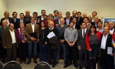 Intendentes, senadores y diputados peronistas contra el tarifazo