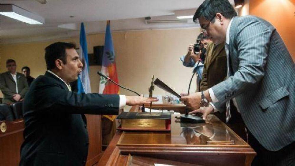 Julio Guzmán asumió como diputado provincial por el FPV-PJ