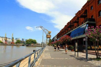 Sumar�n espacios verdes en Puerto Madero