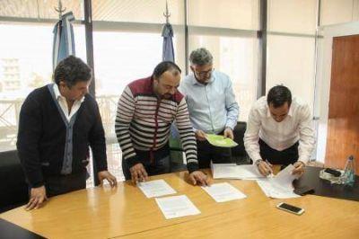 La Provincia firm� un Convenio de Cooperaci�n con Asociaci�n Vecinal de La Matanza