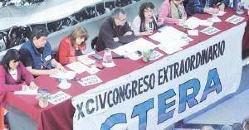 Más gremios docentes se suman al paro que se replicará en todo el país