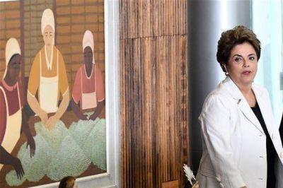 Casi sin esperanza, Dilma recalcula e irá al Senado a defenderse en persona