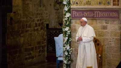 Francisco en As�s por los 30 a�os del Encuentro interreligioso