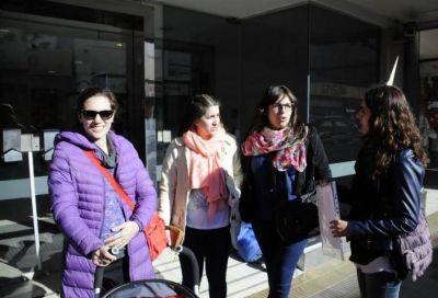 Con incertidumbre y falta de respuestas, 16 familias reclamaron por la entrega de sus casas de Procrear