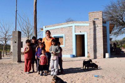 Se inauguran viviendas sociales y otras obras más