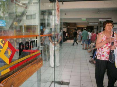 Los jubilados de Pami reclaman por el servicio m�dico a domicilio