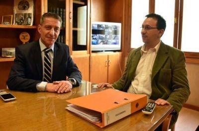 Arcioni visitó al intendente de Trelew