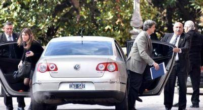 Prat Gay sali� a tomar deuda desesperado para pagar los subsidios al gas