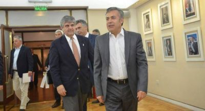 Furia de Cornejo con YPF por dar de baja inversiones en Mendoza