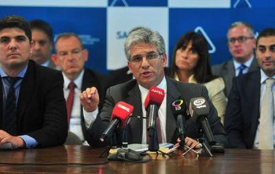 El Gobierno lleva a la Justicia a Claudio Poggi