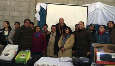 Minería firmó un acta compromiso con la comunidad de Punta de Balasto