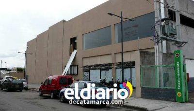 Ahora Raúl Jalil quiere un puente y subsuelo en una calle pública  para su centro comercial