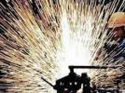 Las dos mayores organizaciones industriales del pa�s analizar�n las tarifas el pr�ximo martes