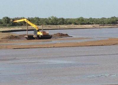 Formosa controla obras que se ejecuta en sectores criticos del rio Pilcomayo