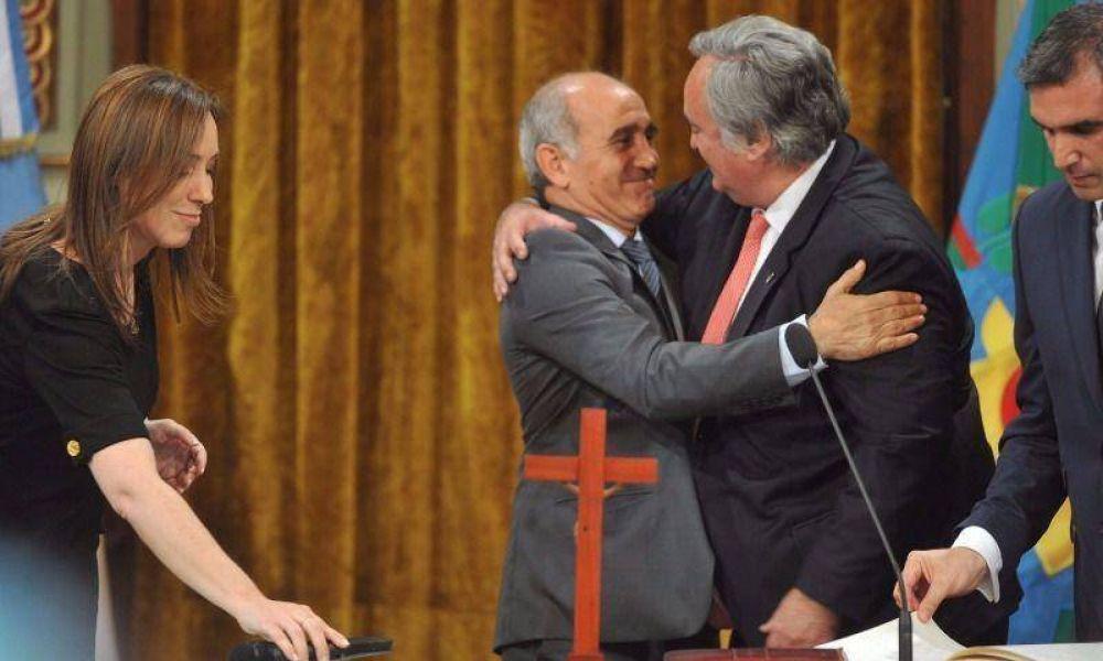 De la Torre juró como ministro bancado por el peronismo de San Miguel