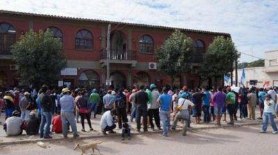Violenta protesta en Salvador Mazza: reclamo de empleados municipales