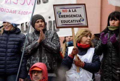 El sumun del disparate: plebiscitar la Emergencia Educativa