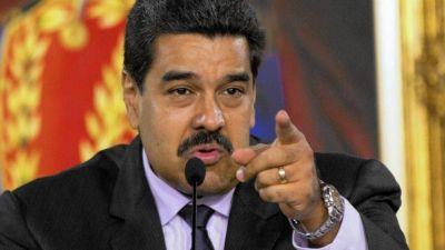 Nicolás Maduro ordenó despedir en 48 horas a funcionarios que firmaron por revocarlo