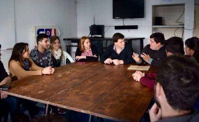 Cheppi visitó la Sede Social del CRU tras otorgarle un subsidio para refacciones