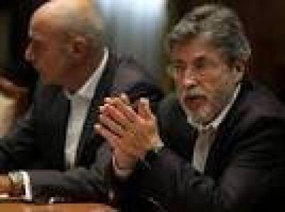 Sospechas de corrupción en Aduana: suspenden a otros cuatro funcionarios