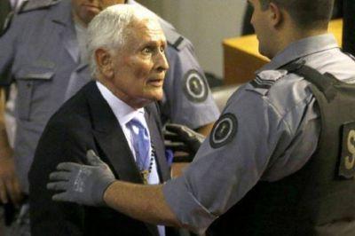 Fiscales piden investigar si médicos penitenciarios beneficiaron a Etchecolatz