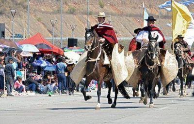 Juan Manuel Urtubey se vistió de gaucho para conmemorar el Éxodo Jujeño