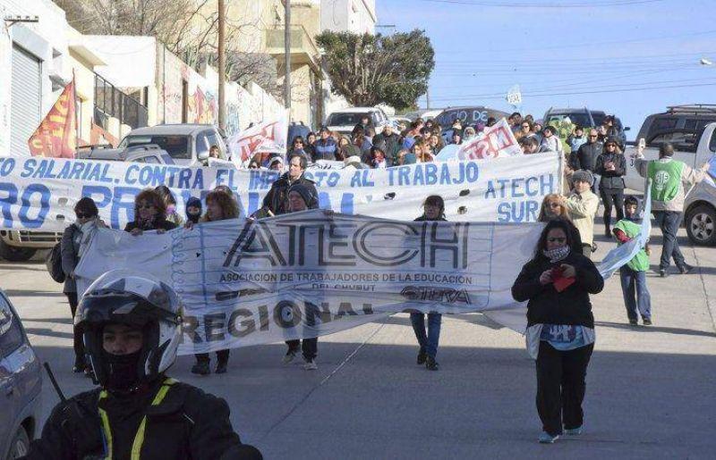 ATECh y ADU adhieren al paro de CTERA y piden reabrir paritarias