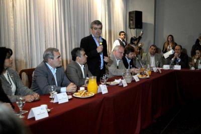 Opositores reclaman una reforma electoral